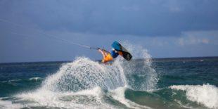 Vervolg cursus kitesurfen Als de basis cursus afgerond is (hoeft niet perse bij kitesurfles.com) kun je ervoor kiezen om een vervolg cursus te gaan doen. Je bent dan in het bezit van je IKO level 1& 2, in de vervolg cursus gaan we door met het zelfstandig/veilig varen, waterstart maken en leer je basisbeginselen van het springen.